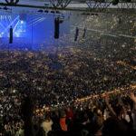 Yasakların kalktığı Danimarka'da 50 bin kişilik konser