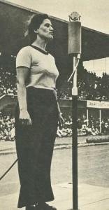 Türk kadını 19 Mayıs gösterisinde
